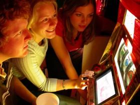 调查显示25%美国人光顾赌场但不赌钱