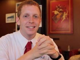 Holyoke市长改口支持建赌场,赌场经营权争夺战愈激烈
