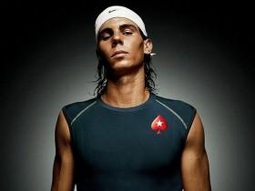 网球天王纳达尔技痒 养伤期间玩扑克